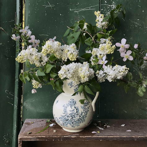 Blousy Scented Lilacs in White