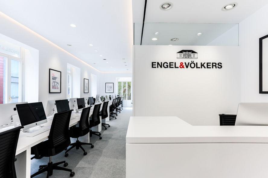 Inauguraci n de las nuevas oficinas de engel v lkers for Valencia cf oficinas