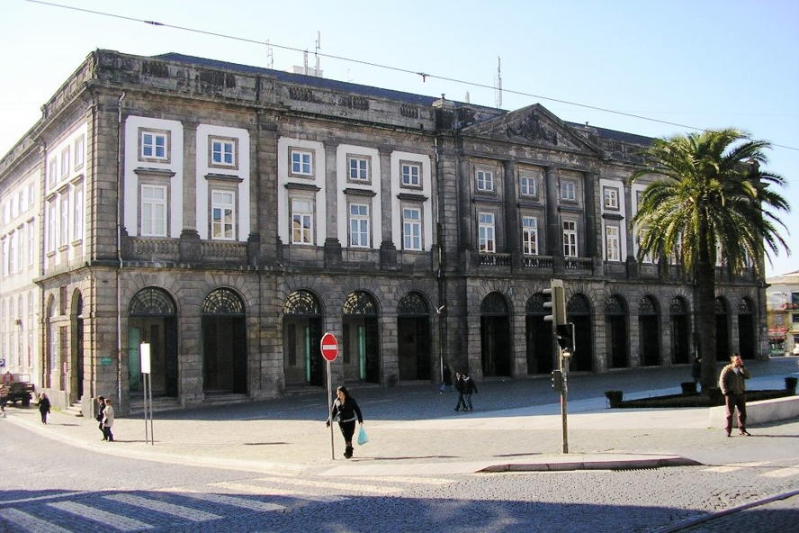 Portugal - Reitoria_Universidade_(Porto).JPG