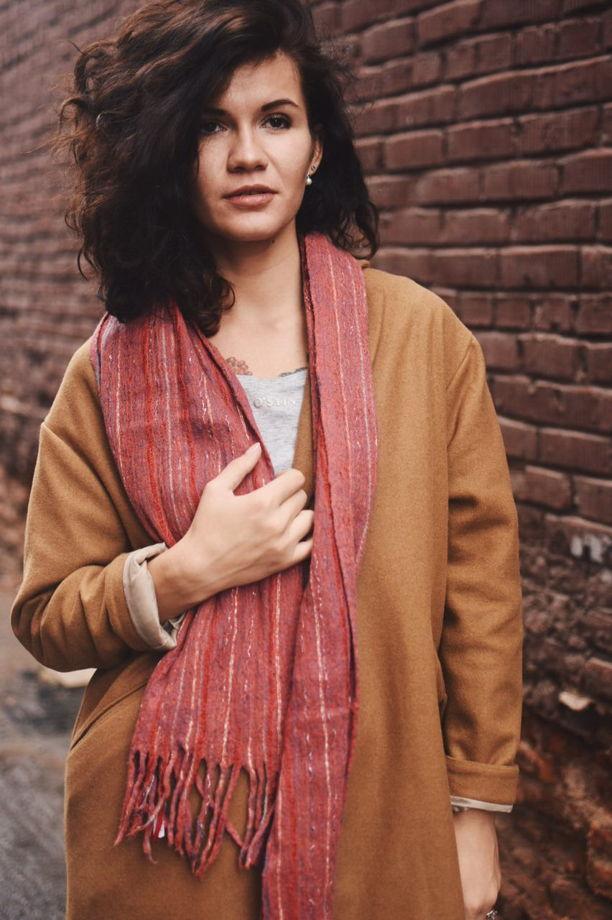 Красный шарф с кистями из шерсти и хлопка унисекс