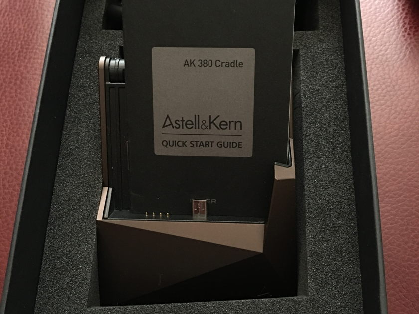 Astell & Kerns AK380 With AK380 Amp & Cradle AS NEW
