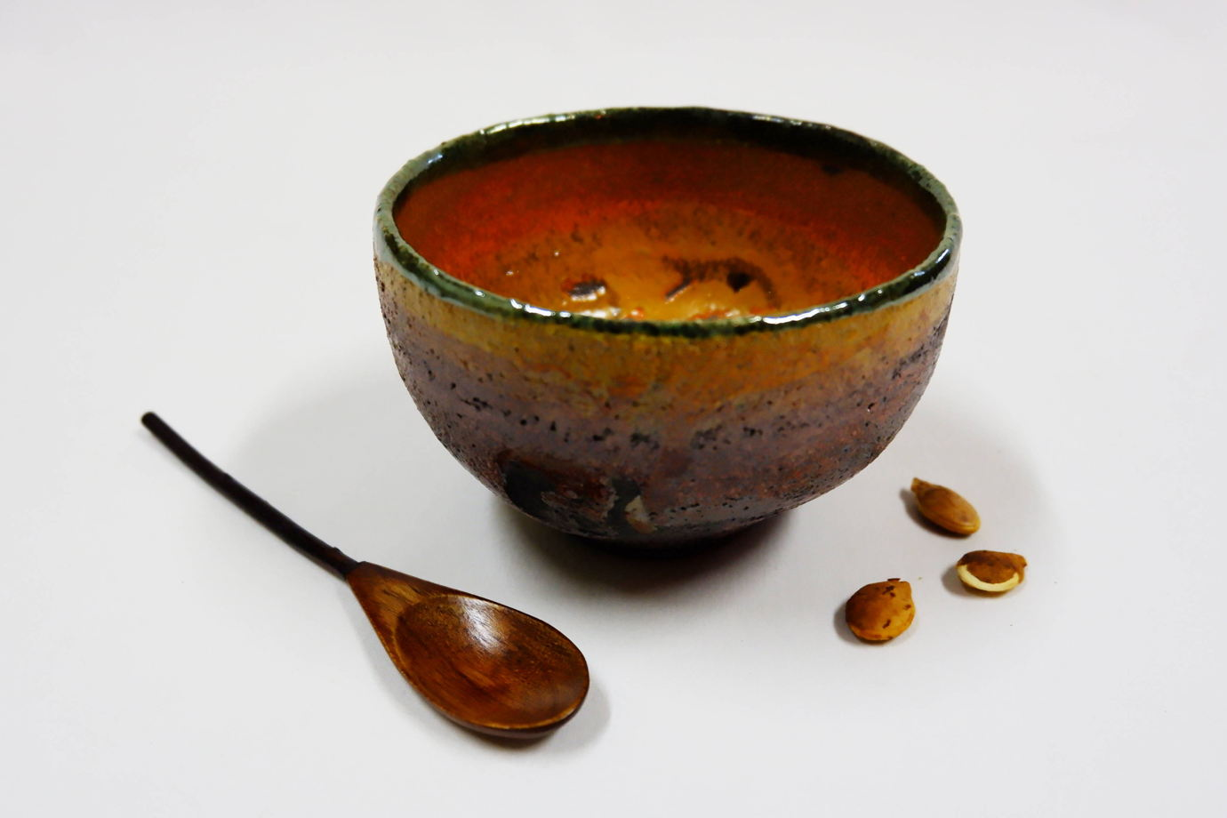 Миска керамическая для тыквенного супа.