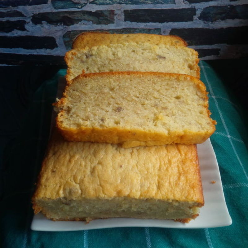 I've tried many banana cake recipes, but this one is the best. Thanx, Grace... ;)