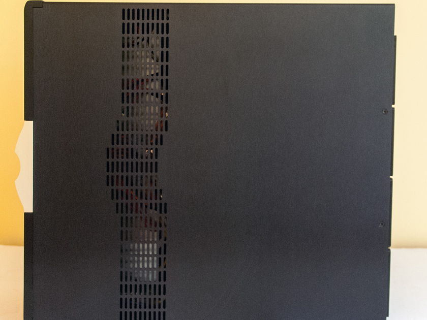 Krell Duo 300 Watt Amplifier  Featuring Krell iBias Technology in Excellent Condition