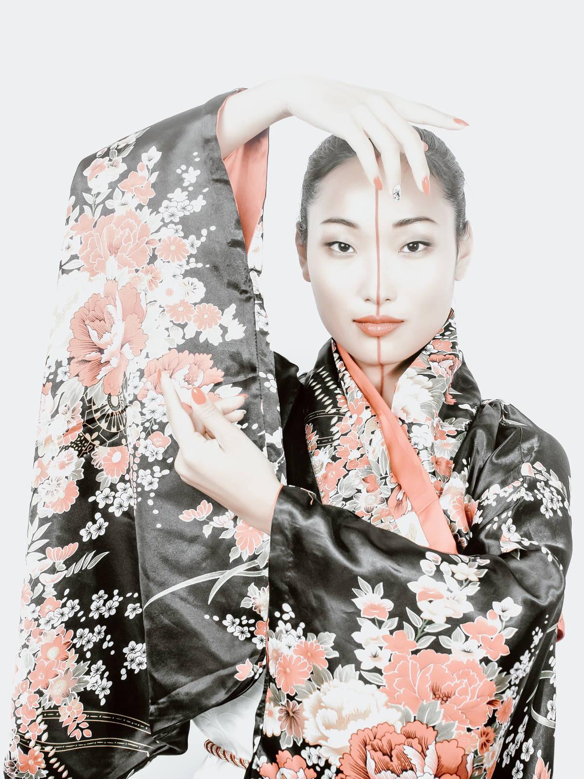 Tozaime - Geisha with Kimono and modern make-up interpretation