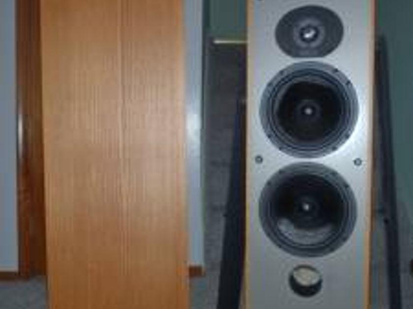 Paradigm Esprit Monitor Speakers Excellent Condition-$650.00