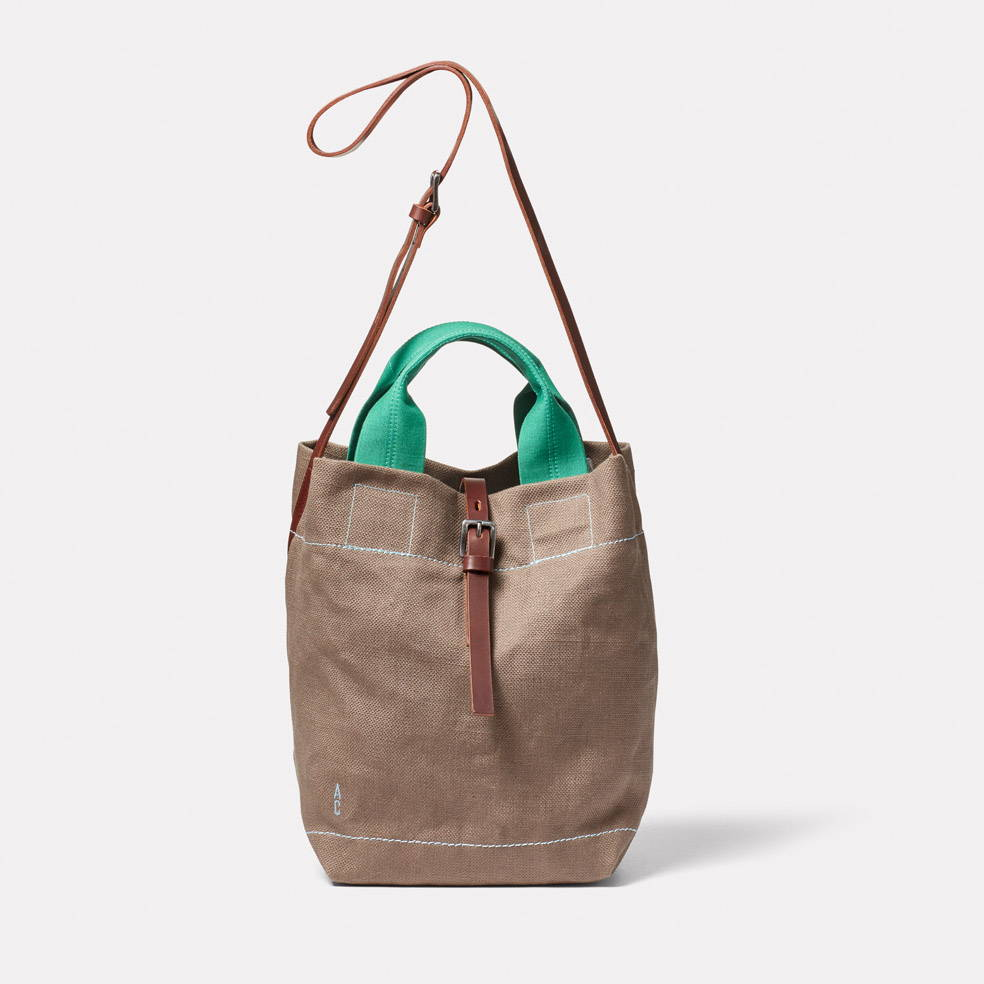 Bob Hemp Bucket Bag in Khaki