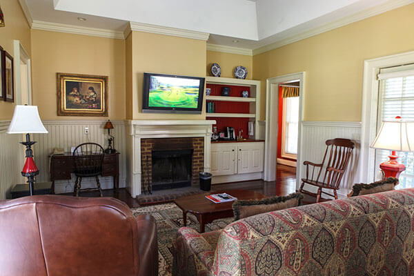 Interior – Arbor Cottage Number 1775
