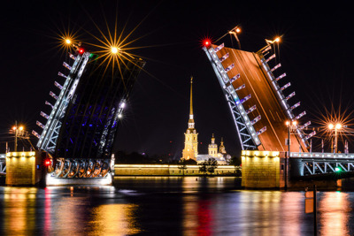 Ночной Петербург и развод мостов: на автобусе с теплоходной прогулкой