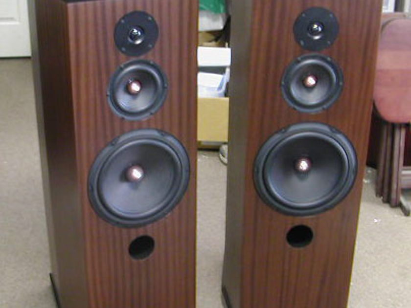 Tyler Acoustics Decade MM5 mastering monitors! New Model