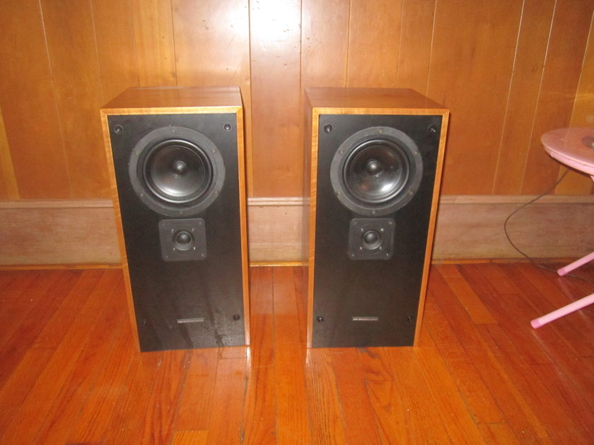 Kef Reference 1033