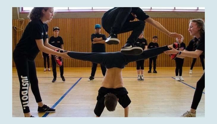 dance company free style