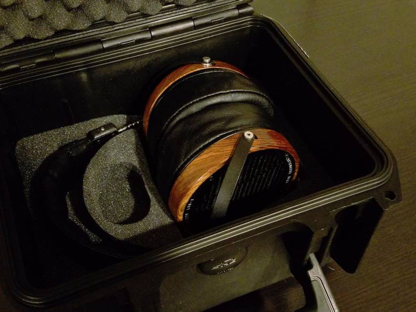 Audez'e LCD-2 with Fazor Upgrade - * With Stand / New Leather Headband / 3 Headphone Cables *