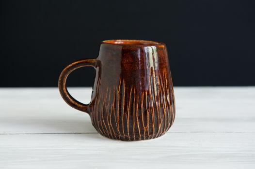 Небольшая керамическая чашка
