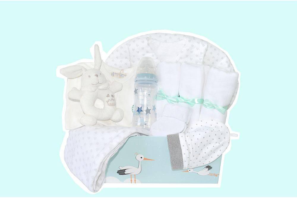 babybox-babyerstausstattung-babystarterset-geburtsgeschenk-mullwindel-babyhose-babybody-taidasbox