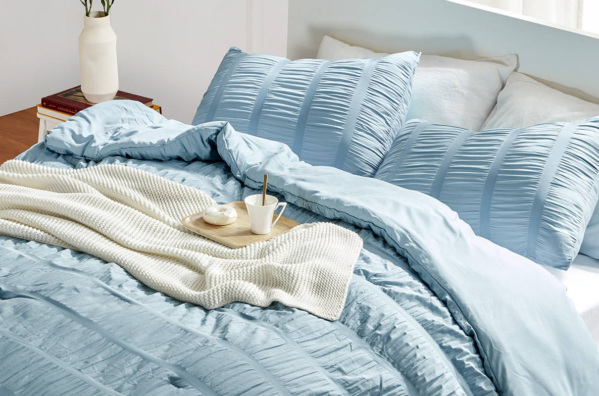 sleep zone bedding website store products collection modern luxe seersucker comforter cameo blue bedroom
