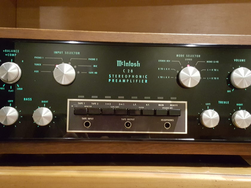 McIntosh C 28 Stereophonic preamplifier