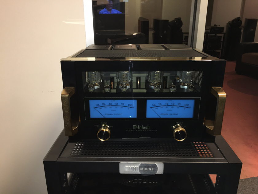McIntosh MC-2000 **Trade-in**