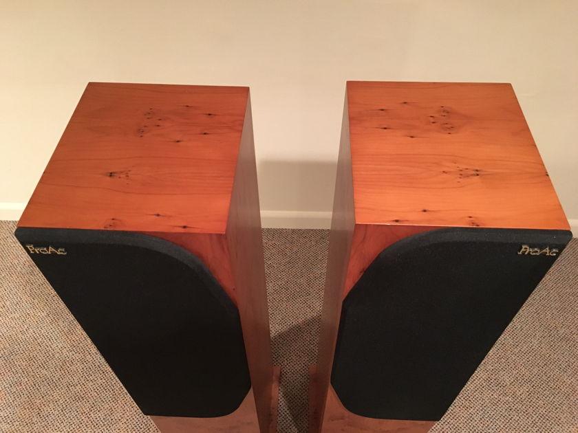 Proac 2.5 Floor standing speakers