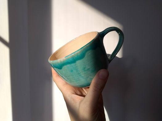 Бирюзовая керамическая чашка