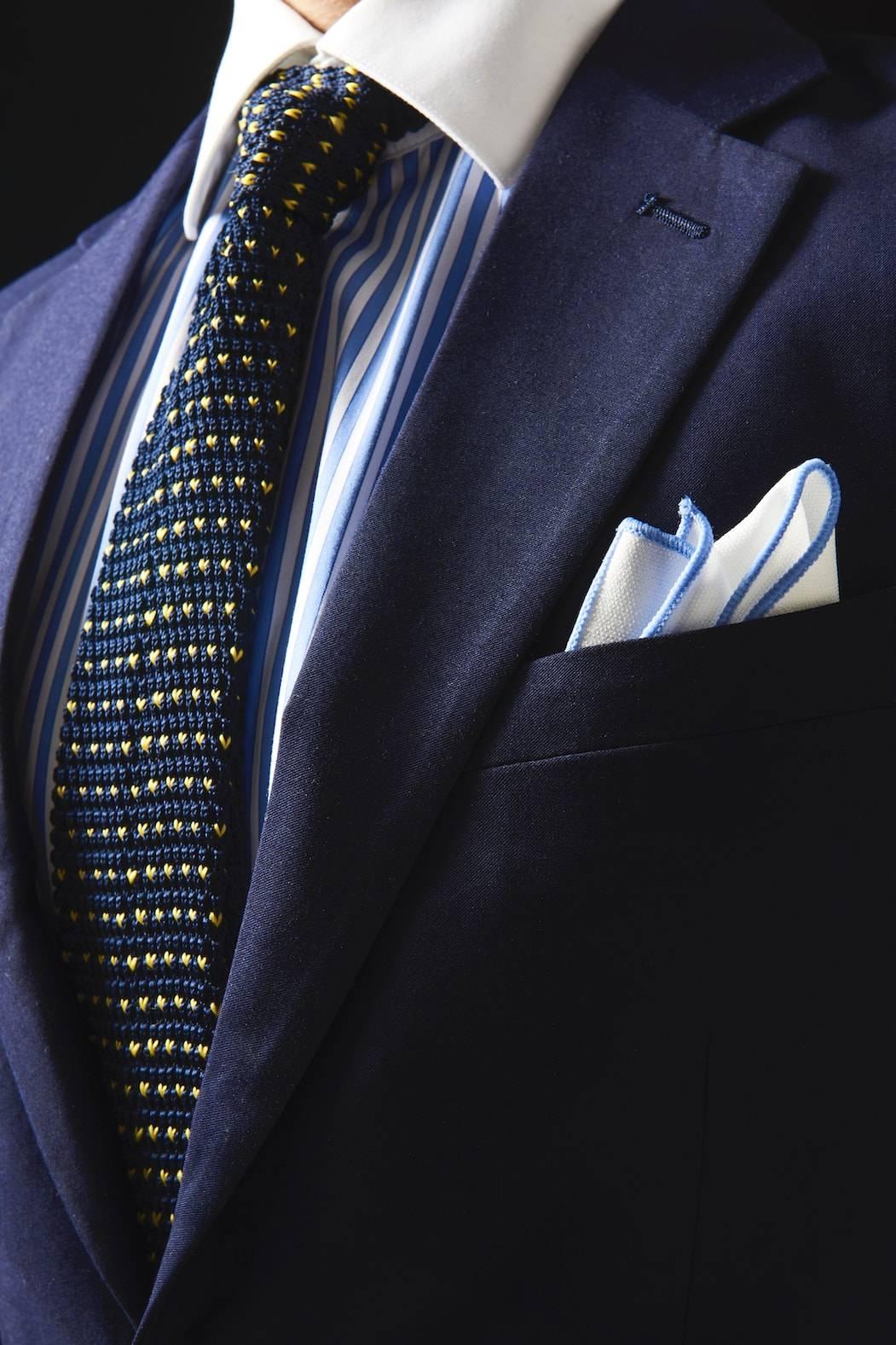 TailorMate   Blazer med stripet skjorte og slips