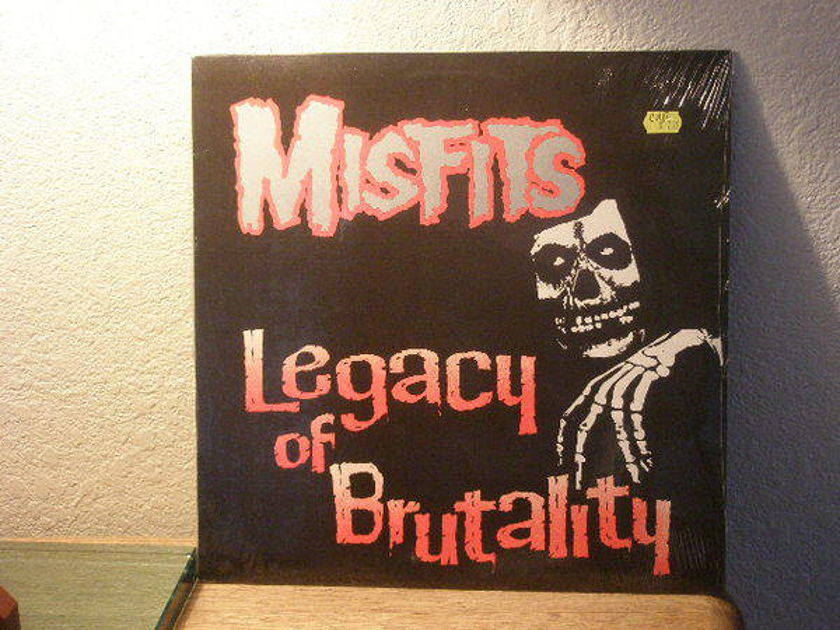 Misfits Legacy Of Br - utality 3rd pressing no bar code incl. ship media
