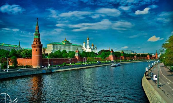 Прогулка с экскурсией на теплоходе по историческому центру Москвы