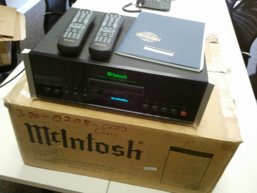 McIntosh  MVP861 Universal DVD/SACD/DVD-Audio/CD Player