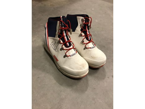 Official U.S. Ski Team boots by Khombu Size 8M Signed by Mikaela Shiffrin