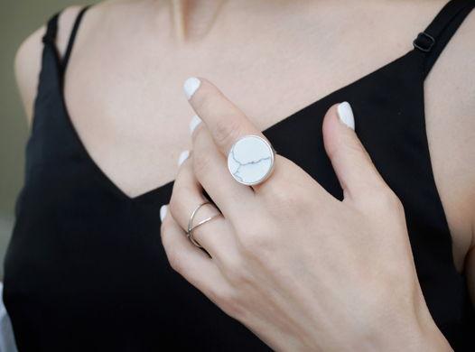 """Серебряное кольцо """"Белый мрамор"""" (серебро 925)"""
