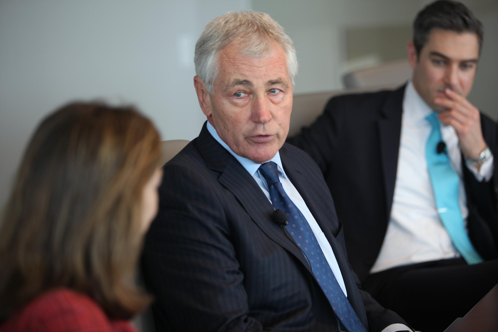 Chuck Hagel to Next US President: Talk to Putin