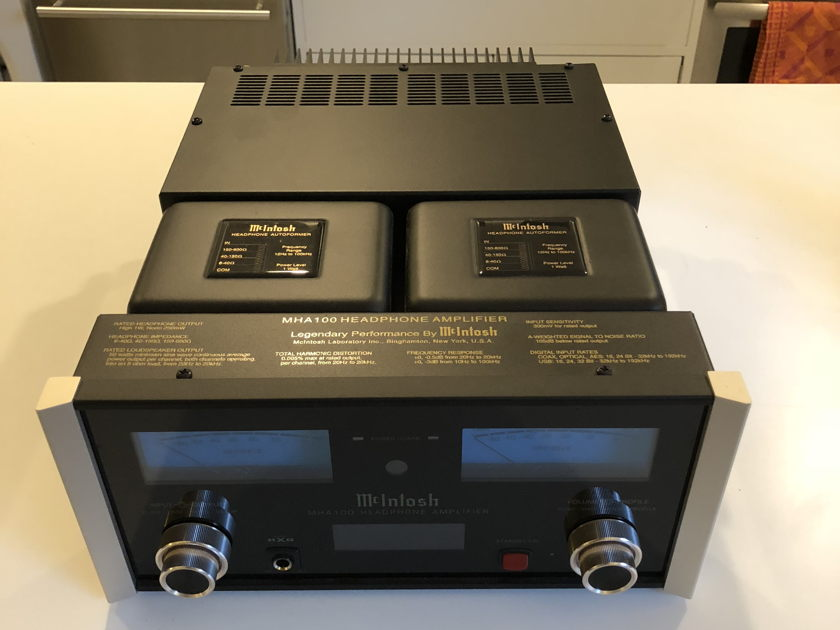 McIntosh MHA-100 Headphone amp - like new - built in DAC and 50w speaker amp