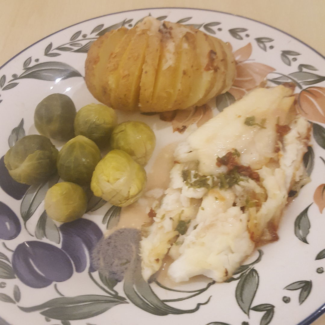 Pan Fried Lemon Sole and Hasselback roasted Potatoe and Sprouts.
