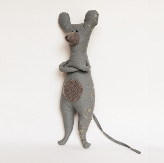 """Мышь с вышивкой """"В ожидании лета"""""""