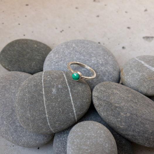 Серебряное кольцо с малахитом, размер 16