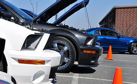 Car Show/Parade Laps at Full Throttle Fall Fest