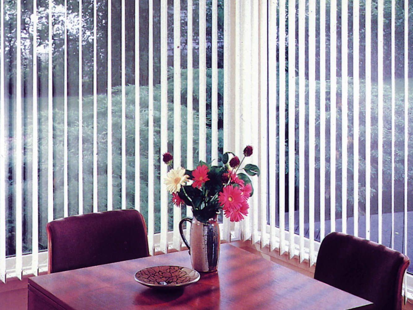 what-to-consider-before-choosing-blinds -curtainsnmore