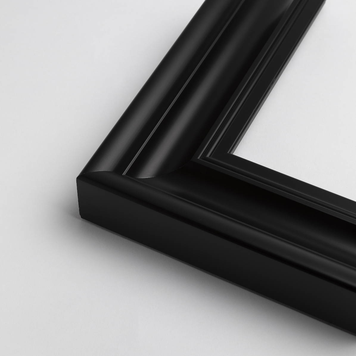 TV-Mirror Contemporary Black Frame by FRAMING TO A T