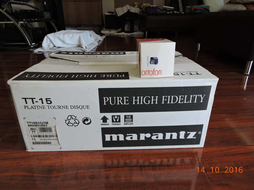 Marantz  TT-15s1 Reference turn table with Ortofon Cadenza Black cartridge