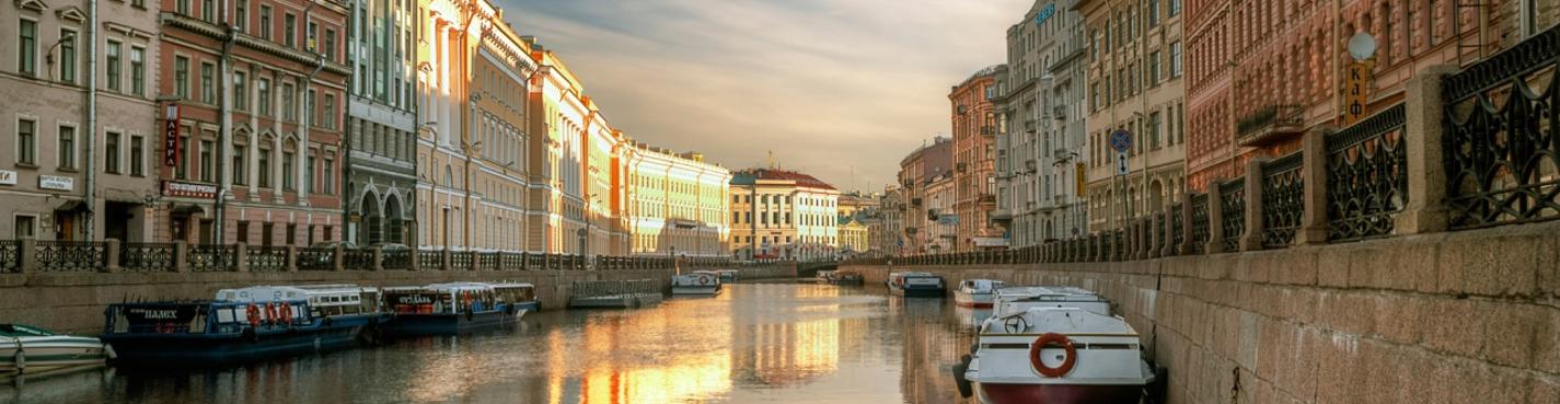 Северная Венеция: 5 рек и каналов, 30 мостов (теплоходная экскурсия)