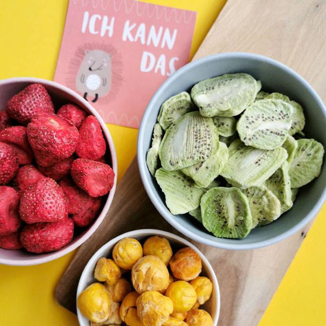 Erdbeeren-Kiwi-Physalis