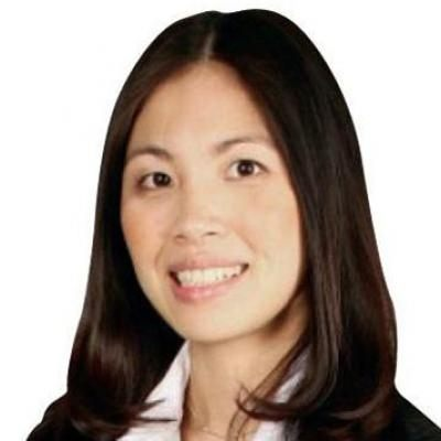 Julie-Hanh Tran  Real estate agent RE/MAX Platine