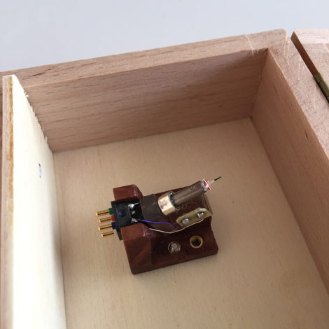 van den Hul Colibri Stradivarius XGW Koa wood