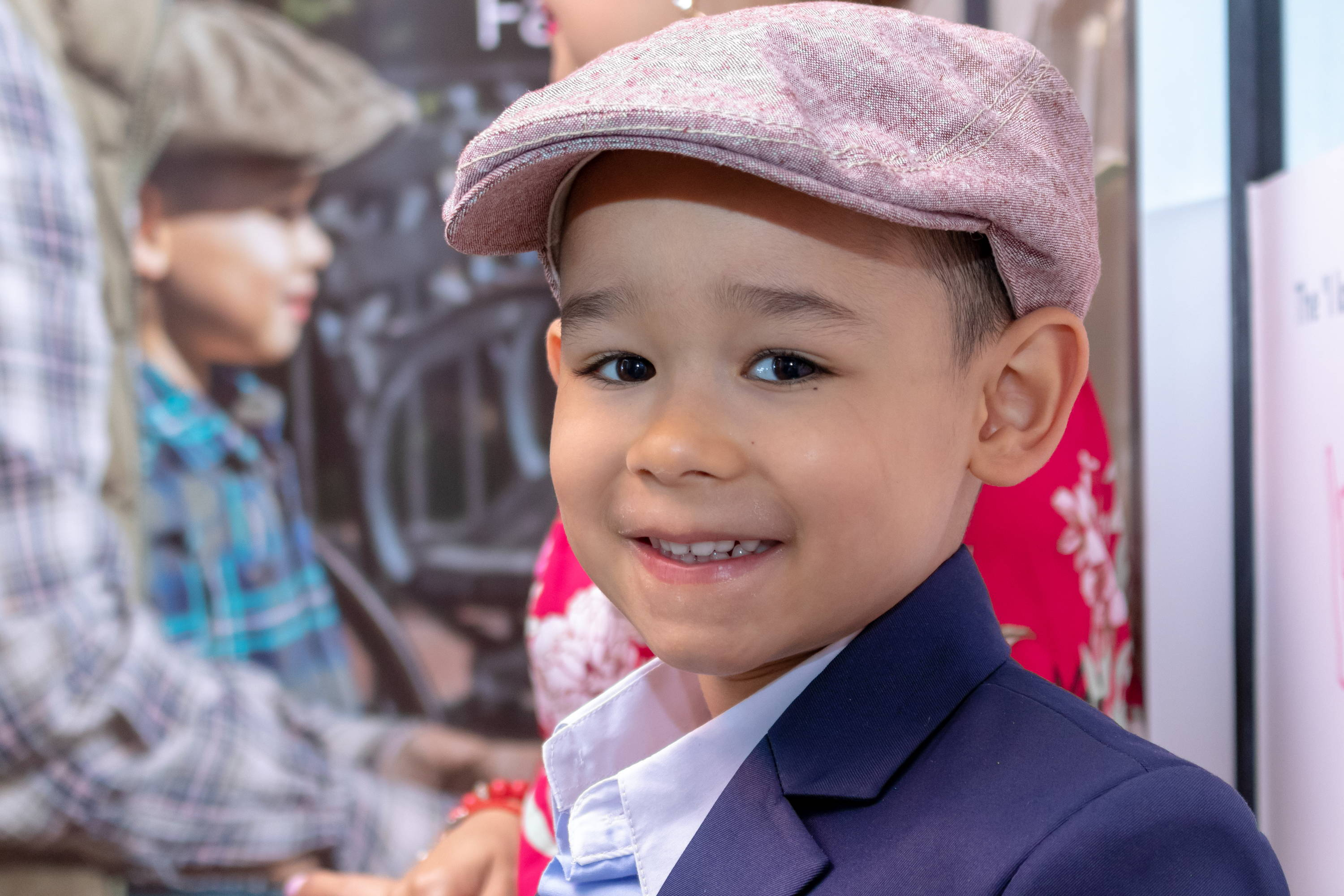 Junior Baby Hatter makes Tiny Caps for Tiny Chaps