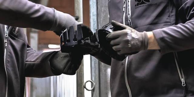 Hufschmiede Kleben, Hufbearbeiter Kleben, Kunststoffbeschlag, Klebebeschlag, Kleben, Hufe, Workshop