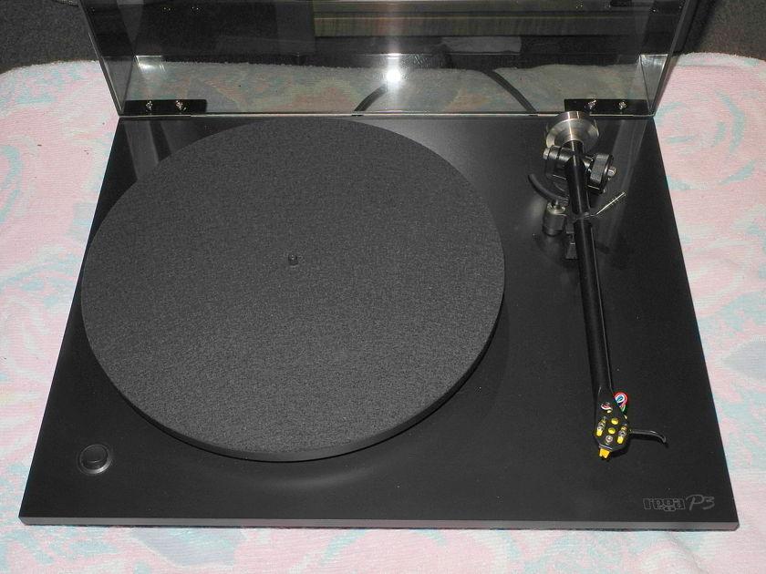 Rega P3 with Exakt phono cartridge and black base/plinth