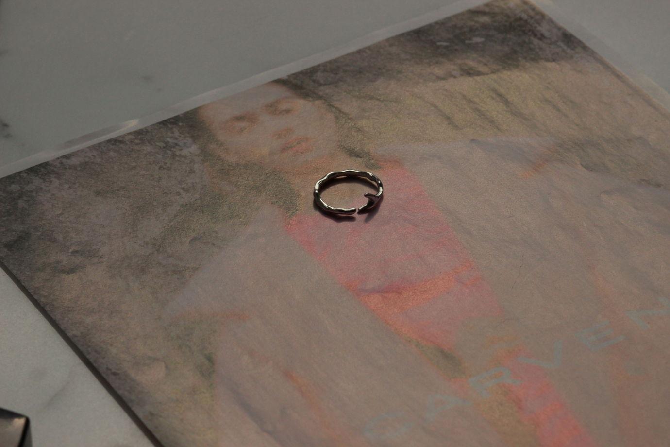 безразмерное кольцо - веточка Branch