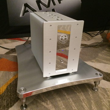 The Purist Amp Stand