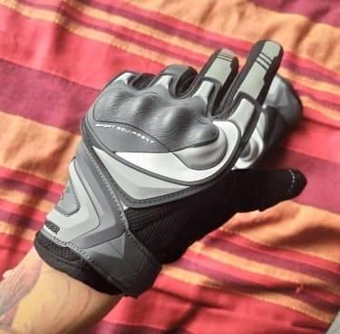 gants-2-roues-pour-trottinette