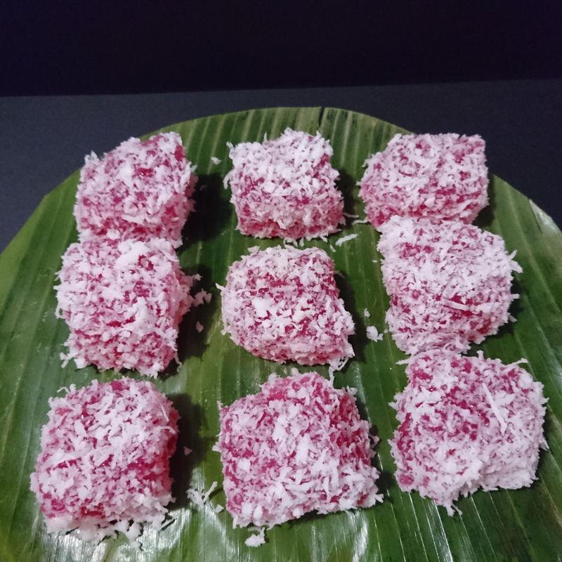Date: 6 Nov 2019 (Wed) 8th Snacks: Kuih Sagu Rose (Rose Flavoured Sago Cake) [86] [101.3%] [Score: 10.0]